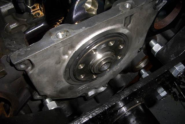 how to fix a rear main seal